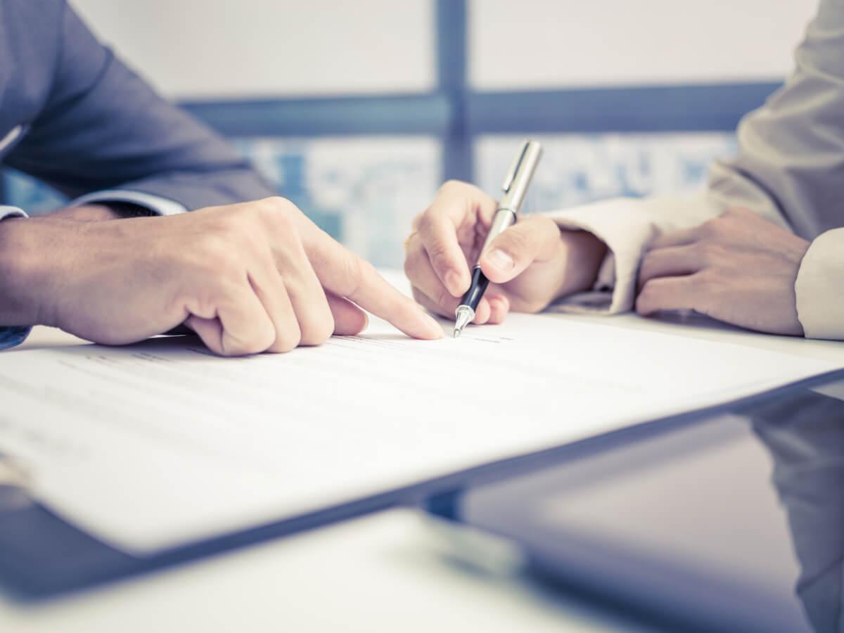 Arbeitsvertrag – Worauf Sie bei der Vertragsverhandlung achten sollten!